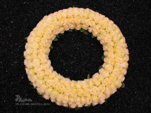 Rouwkrans rozen